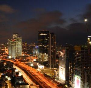 Raketen auf Tel Aviv und das Internet tobt