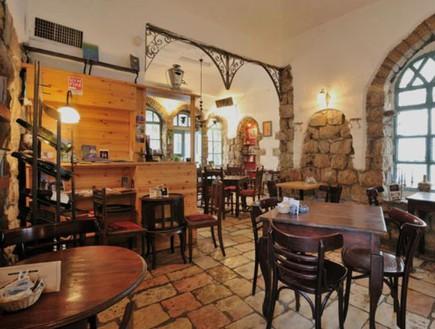 """David Ehrlich ist kürzlich gestorben. Wird sein Cafe """"Tmol Schilschom"""", ein Wahrzeichen in Jerusalem, nach der Coronakrise wiederaufstehen? – von Benjamin Rosendahl"""