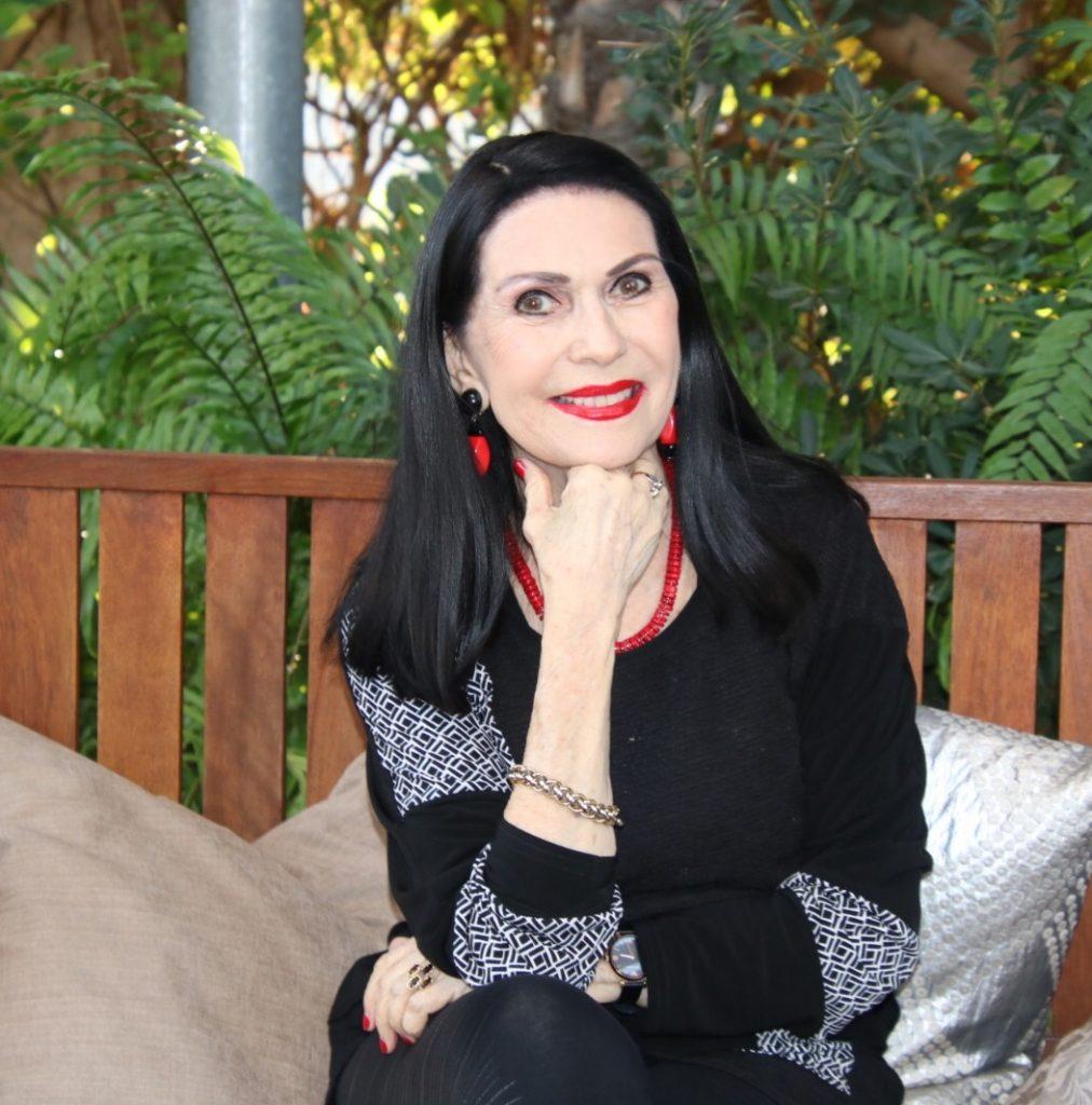 """Tanja arbeitet im Labor für Transplantationen von Hornhäuten. Eines Tages erhält sie einen erschütternden Auftrag. Aus dem Roman """" Liebeswirrungen """" von Saya Lyran Malkin"""